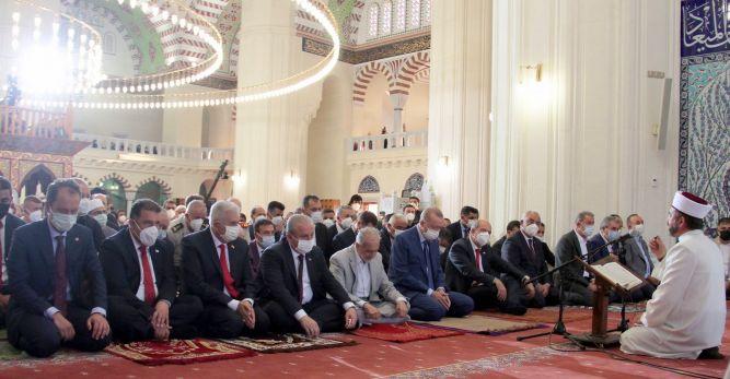 Tatar ile Erdoğan Bayram Namazını Kıldı