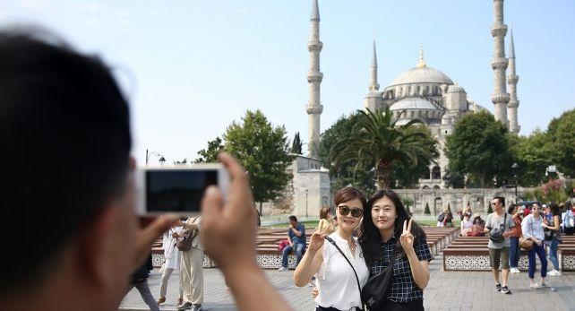 Ersoy: 15 Nisan'dan sonra İngiliz turistlerden de test istenmeyebilir…