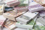 Rum Haji para dağıtıyor