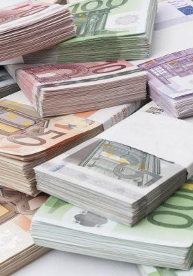 Euro Bölgesi ekonomisi  büyüyor