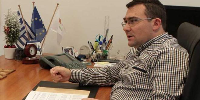 Rum Bakanlar Kurulu  Sekreteri Çiolas;       Yunan kimliğimiz korunmalı