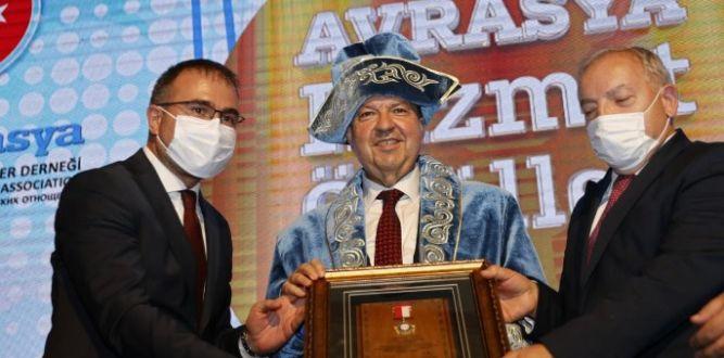 Tatar, Ankara'da, Avrasya Hizmet Ödülleri törenine katıldı.