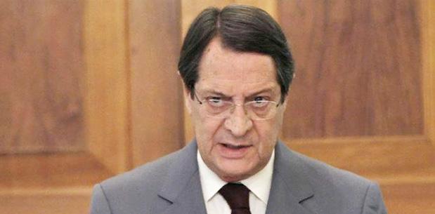 Anastasiadis;  Garantiler ve Türk askeri olmamalı