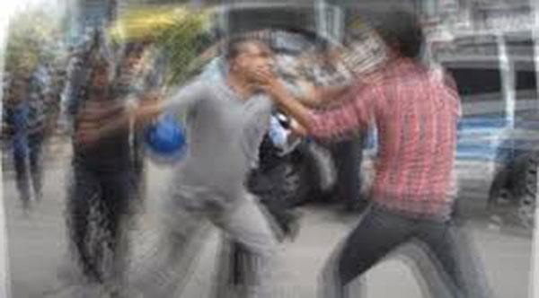 Kıbrıslı Türk Rumlar tarafından dövüldü