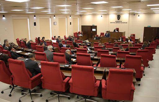 Maaş kesintileriyle ilgili yasa Meclis'ten geçti