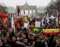 PKK'lı teröristler Rum tarafında yürüdü