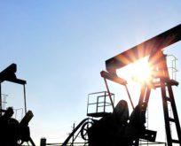 Rusya'nın Petrol Geliri Düştü