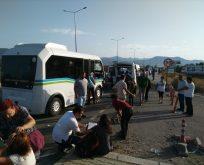 Balıkesir'de iki yolcu minibüsü çarpıştı: 41 yaralı