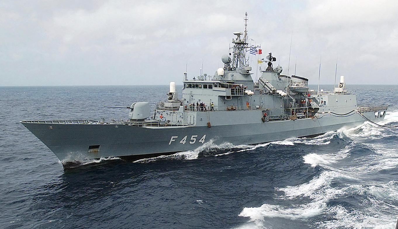 Yunan askeri kuvvetleri teyakkuzda
